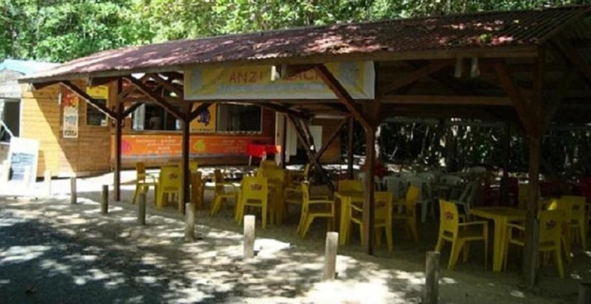 Snack Plage des Salines Chez Danielle à Saint-Anne en Martinique
