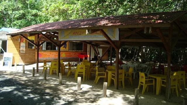 Snack Plage des Salines Chez Danielle à Sainte-Anne en Martinique